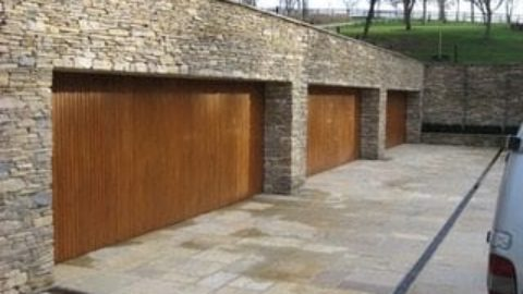 Factors to consider before choosing the garage door installer