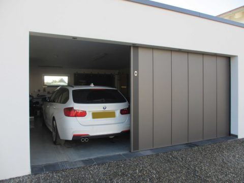 Things to Know Before Buying a Custom Designed Sliding Garage Door